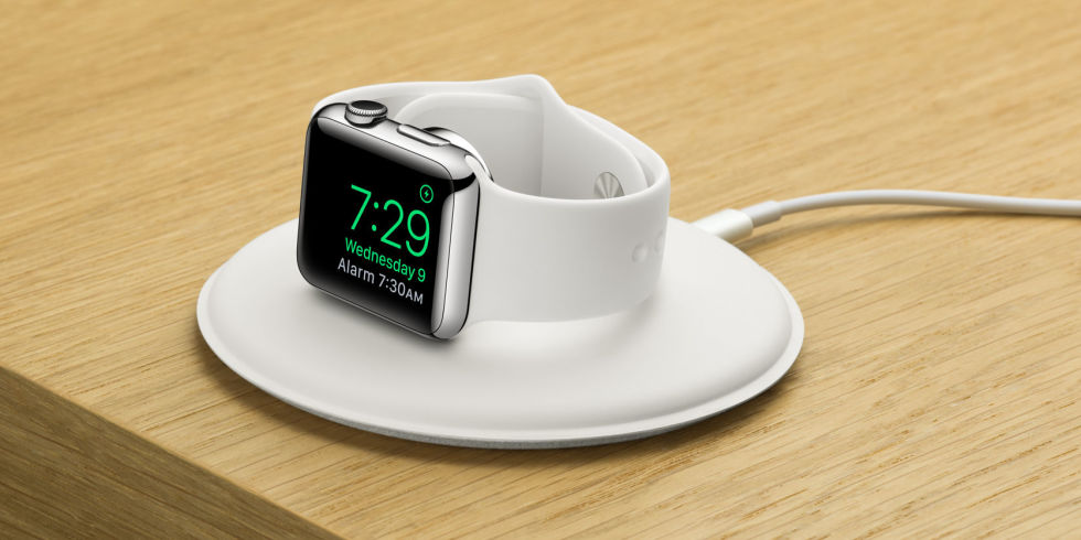 landscape-1447866436-tech-apple-charging-dock-03